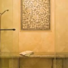 eHow Decorate A Romantic Bathroom